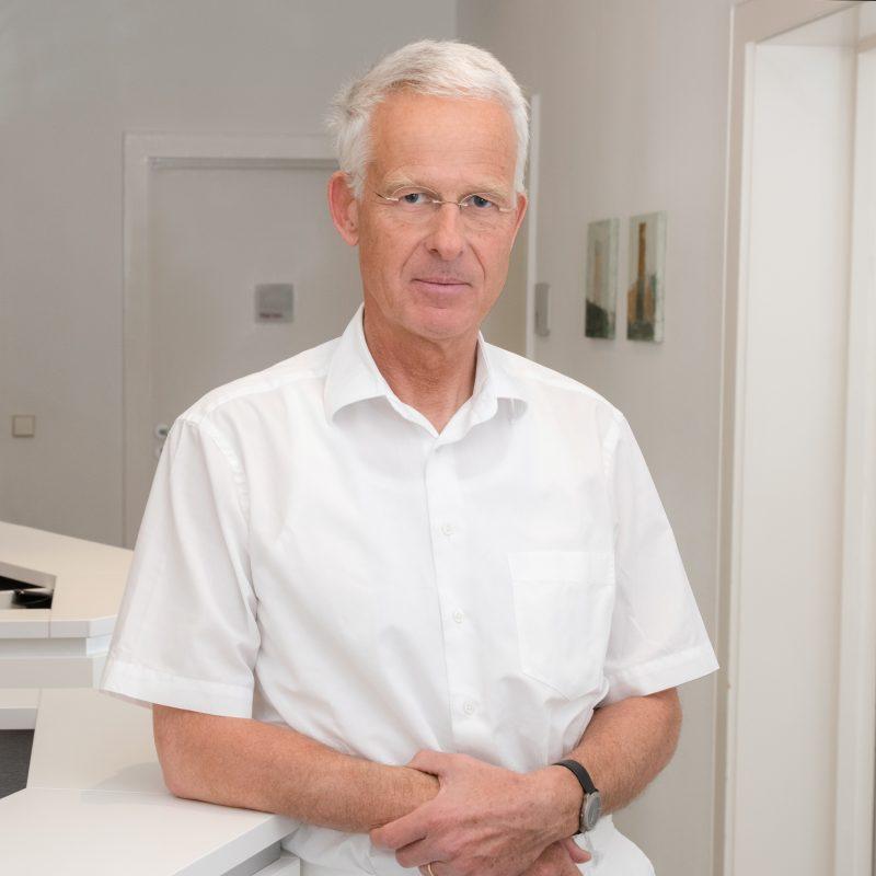 Dr. Johannes Hauswaldt
